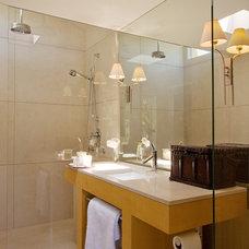 Modern Bathroom by modern house architects