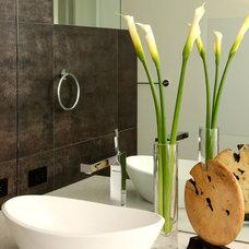Modern Bathroom by Paul Davis Architects