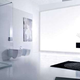 Example of a minimalist bathroom design in Other