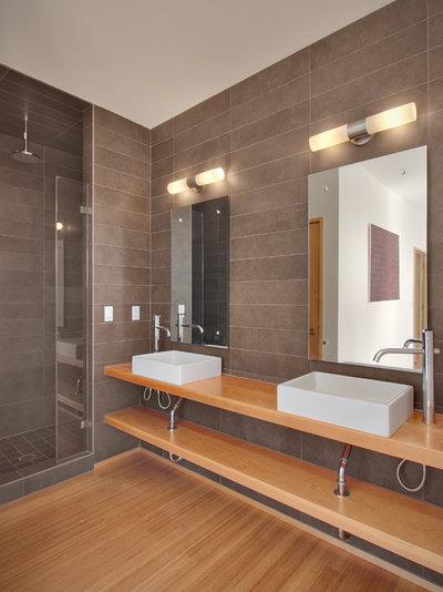 Vanity Light Meaning : Singular Double-Vanity Bathrooms