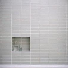 Modern Bathroom by Torbit Studio