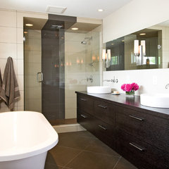 modern bathroom by w.b. builders