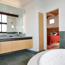 Modern Bathroom by WA design
