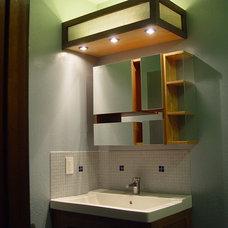 Modern Bathroom by Howard Hvid