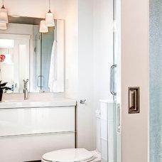 Bathroom by Wilco Bos: Design + Remodels