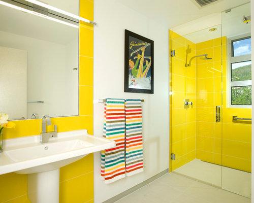 Moderne Kinderbäder mit gelben Fliesen Ideen & Beispiele für die ...