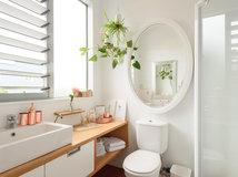 Nussbaum m bel versch nern dieses frankfurter badezimmer - Fliesenkombinationen bad ...