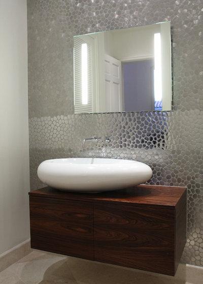 Contemporary Bathroom by CLAUDIA LUJAN INTERIORS