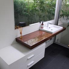 Contemporary Bathroom by Cameron Construction