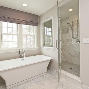 ミネアポリスのコンテンポラリースタイルのおしゃれな浴室 (置き型浴槽) の写真