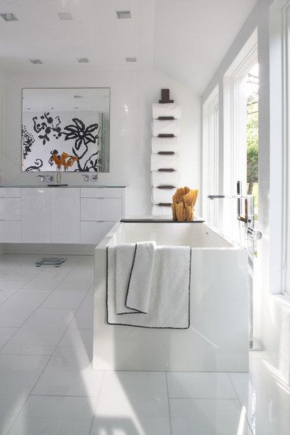 Contemporary Bathroom by Streeter & Associates, Inc.