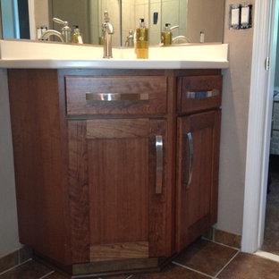 Example of a bathroom design in Charleston