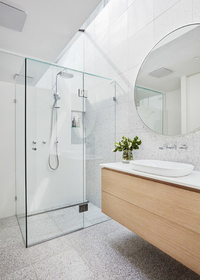 Modern Bathroom by ROBERT SCAPIN Painting & Decorating