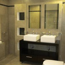 Modern Bathroom by Marina V. Phillips