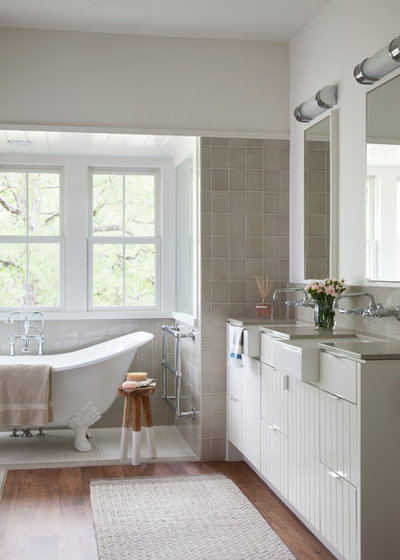 Country Bathroom by Tim Cuppett Architects