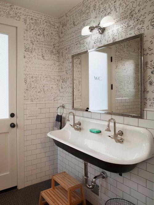 farmhouse bathroom design ideas, remodels & photos with subway tile