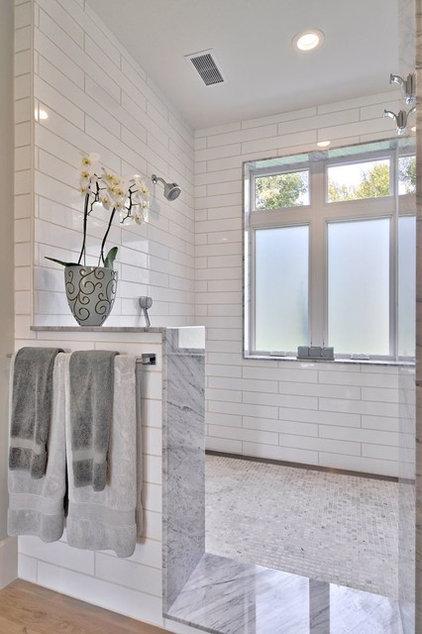 Farmhouse Bathroom by Redbud Custom Homes