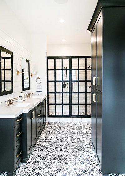 Farmhouse Bathroom by Sita Montgomery Interiors
