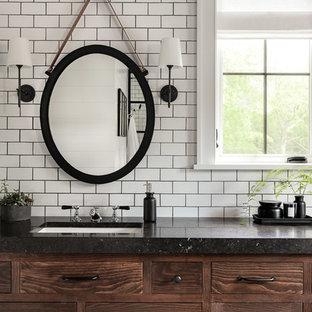 Esempio di una grande stanza da bagno padronale country con ante lisce, ante marroni, piastrelle bianche, piastrelle diamantate, pareti bianche, pavimento in ardesia, lavabo sottopiano, top in cemento, pavimento nero e top nero