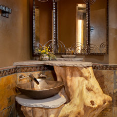 Rustic Bathroom by FEATHER & GILL ARCHITECTS