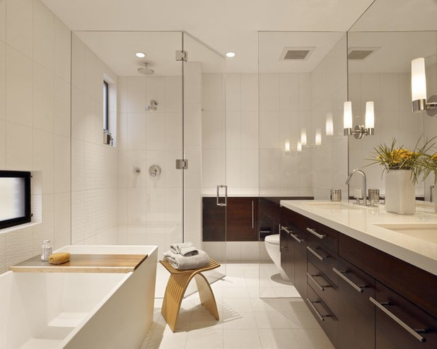 Contemporary Bathroom by Modern Interior Mall, Inc.