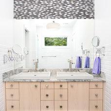 Modern Bathroom by Topnotch Design Studio