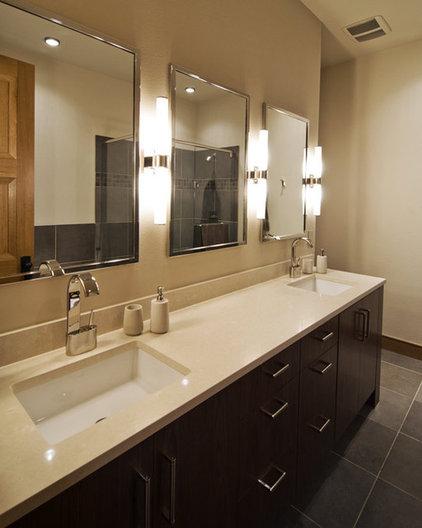 Modern Bathroom by Splittgerber Professional Builders