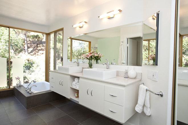 Modern Bathroom by One Week Bath, Inc.