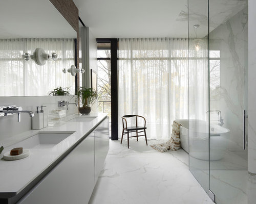 Modern master bathroom houzz for Master bathroom modern