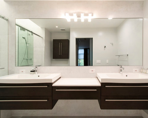 Modern Master Bathroom In Pasadena