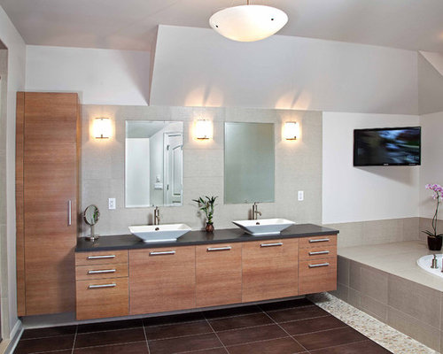Best Modern Master Bathroom Design Ideas & Remodel Pictures | Houzz