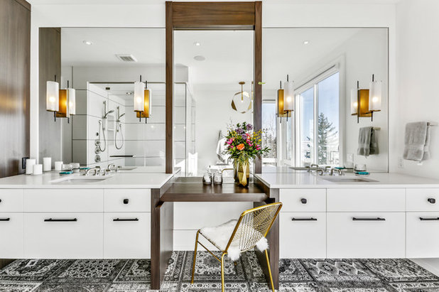 Современный Ванная комната by Rockwood Custom Homes