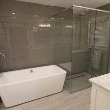 Modern Bathroom by Infinite Home