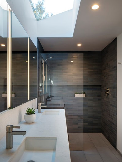 Contemporary Bathroom by building Lab, inc.