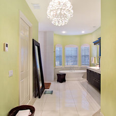 Contemporary Bathroom by Summerhill Developers
