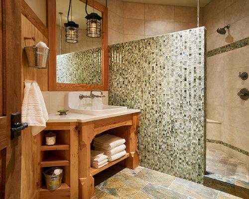 Rustikale Badezimmer Fotos : Rustikale badezimmer mit hellen holzschränken ideen für