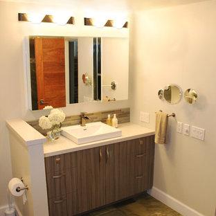 Modern Seaside Guest Bathroom