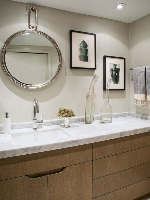 Bachelor bathroom home design ideas pictures remodel and for Bachelor bathroom ideas