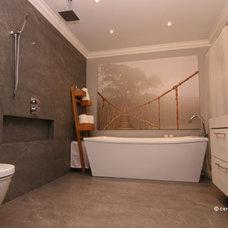 Modern Bathroom by Ceramiques Hugo Sanchez Inc