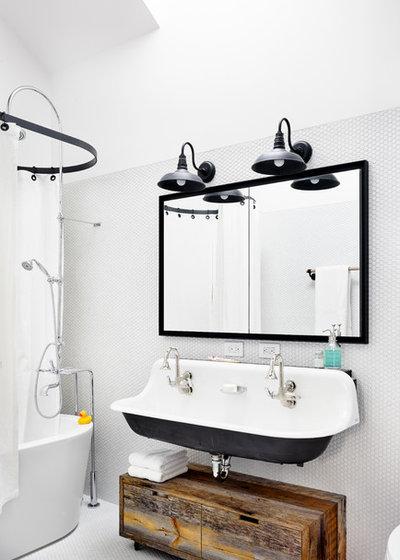 les appliques industrielles sinvitent dans la salle de bains - Appliques Vintage Industrielles Pour Salle De Bain