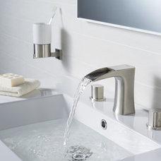Modern Bathroom by RIVUSS