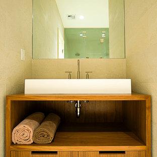 Inspiration för ett funkis badrum, med ett fristående handfat