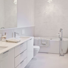 Modern Bathroom by BiglarKinyan Design Planning Inc.