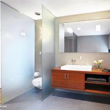 Modern Bathroom by Baldridge Architects