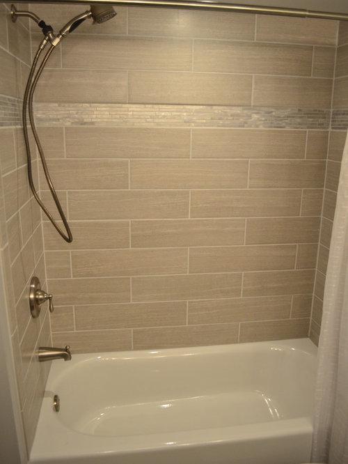 badezimmer mit badewanne in nische und linoleum ideen. Black Bedroom Furniture Sets. Home Design Ideas