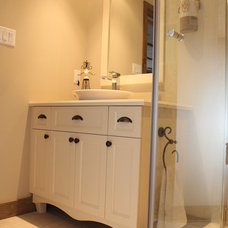 Traditional Bathroom by Renovation Richard Mercier Inc.