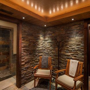 Ejemplo de cuarto de baño principal, rural, grande, sin sin inodoro, con paredes marrones, suelo de pizarra, suelo multicolor y ducha abierta
