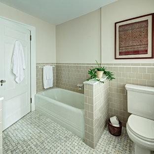 Example of a classic alcove bathtub design in New York
