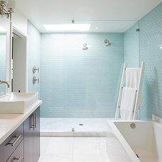 Midcentury Bathroom by formeTHIRD