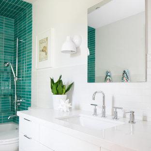 Salle de bain rétro avec un carrelage vert : Photos et idées déco de ...